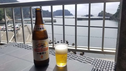 伊豆ヒリゾ浜 で美味しい絶景ランチ ヒリゾ浜周辺 双葉食堂 瓶ビール